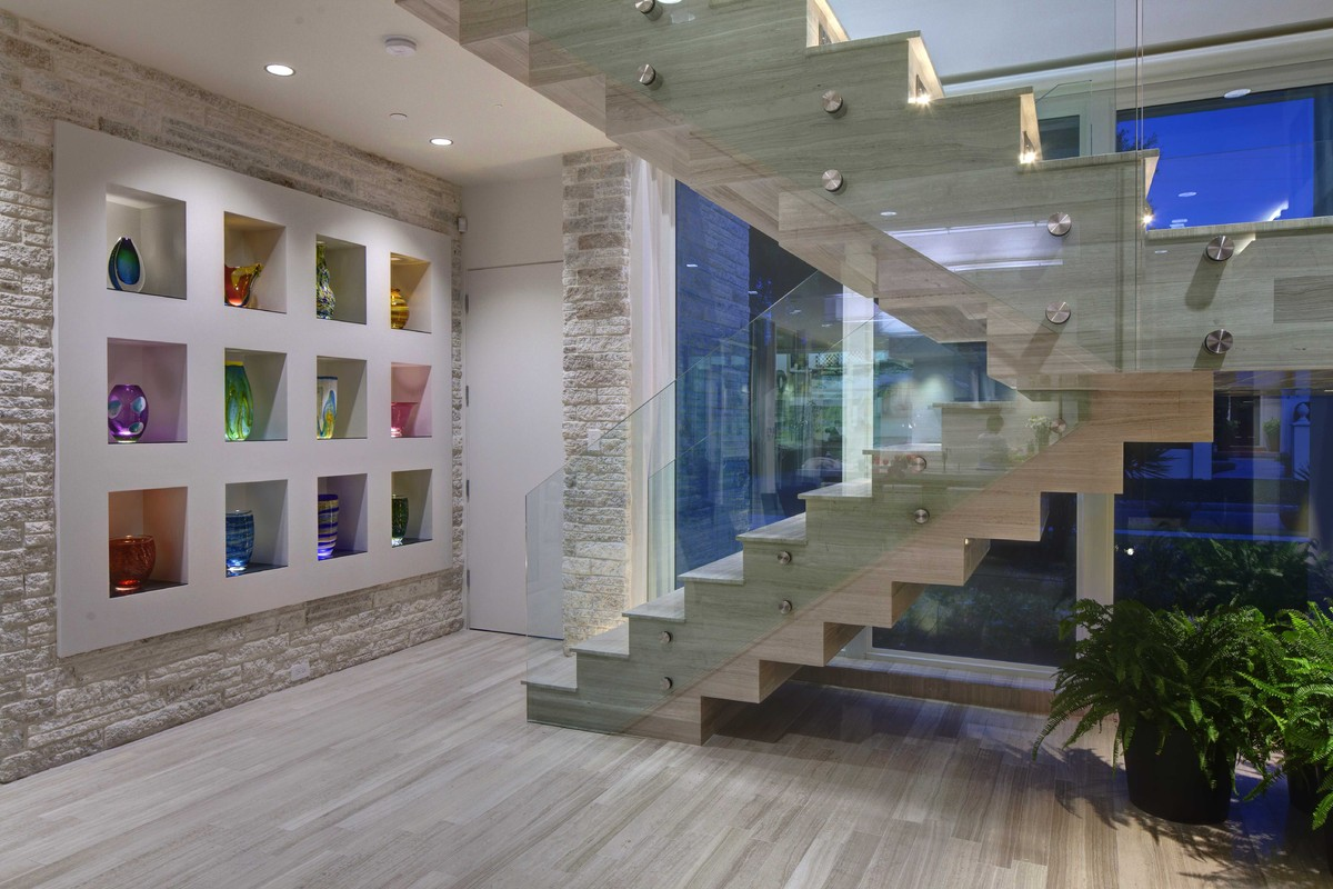 Elements of modern floating staircases phil kean design for Gorgeous modern staircase wall design